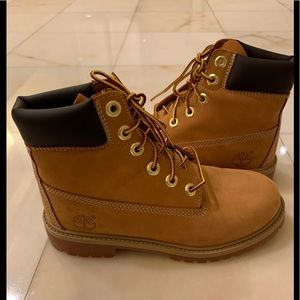 Timberland Boots Youth Size 4 =Woman's 6